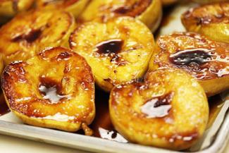 Glazed caramelized pears
