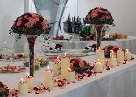 Ideas For Head Table At Wedding head table i like the cake behind the head table so you know that no one is touching it with their dirty hands wedding ideas pinterest best head Pictures Of Head Table Decorations