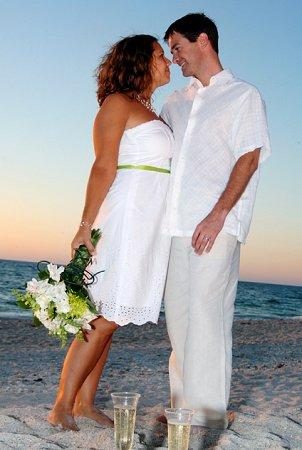 Pictures Of Beach Wedding Dresses Lovetoknow