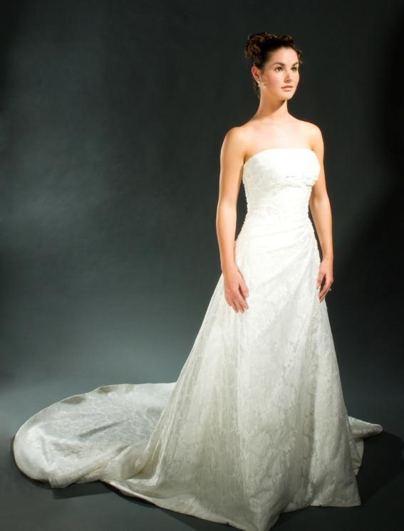 Wedding Dresses For Different Body Types Slideshow
