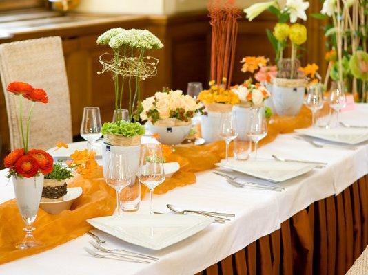 Fall Table Settings table setting for a fall wedding