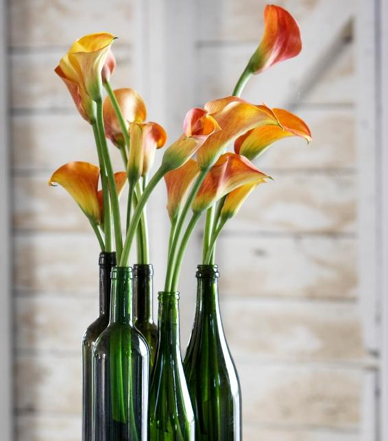 Flower Arrangements In Wine Bottles: Ideas For Wedding Centerpieces [Slideshow]