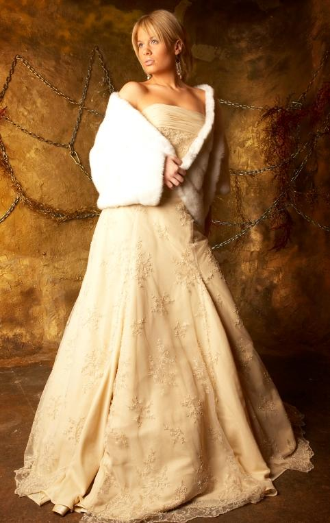 Christmas wedding dresses slideshow