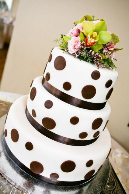 Gallery of Fall Wedding Cakes [Slideshow]