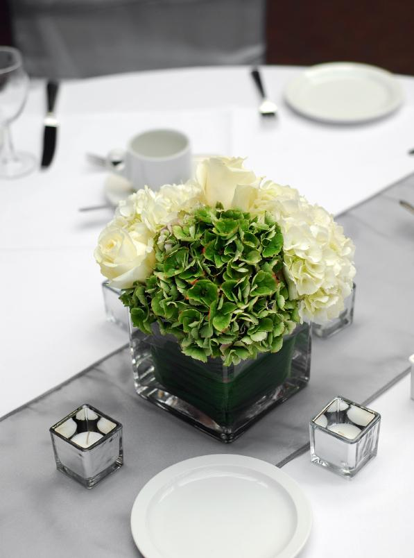 Pictures of modern wedding centerpieces slideshow for Modern table centerpieces