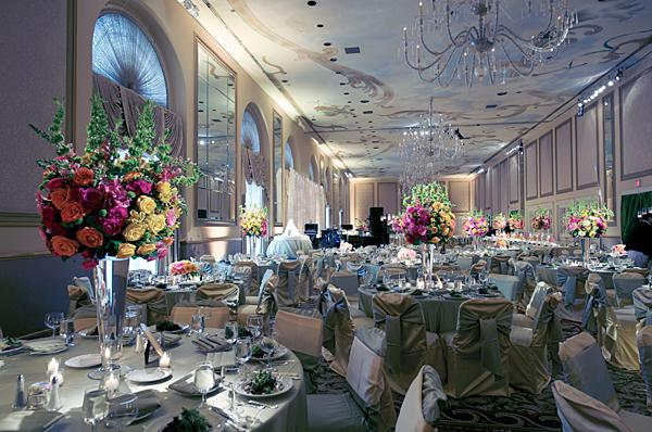 Banquet room pictures for wedding receptions slideshow for Wedding reception room decoration ideas