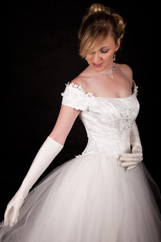 Pictures of winter wedding dresses slideshow for Wedding dress with long gloves
