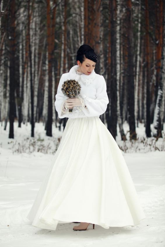 Pictures of winter wedding dresses lovetoknow winter cape junglespirit Image collections