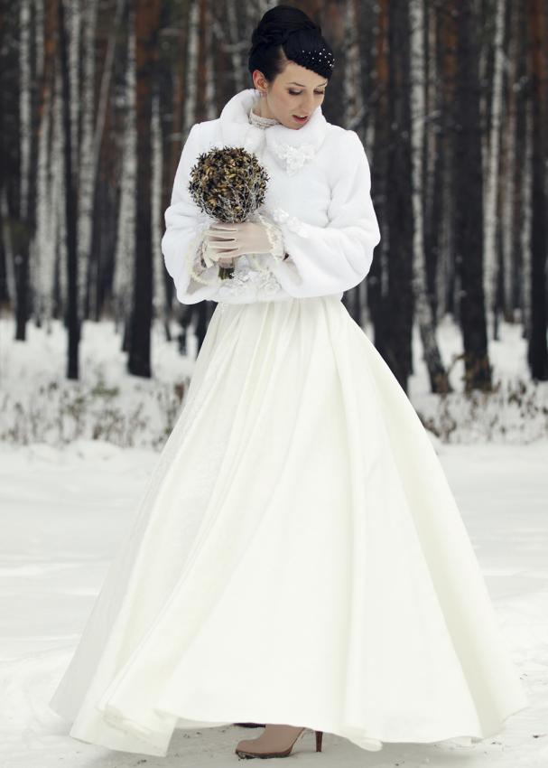 Christmas wedding dresses slideshow for Dresses to wear to a christmas wedding