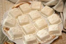 Miniature Wedding Cakes