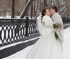 Winter wonderland weddings can be elegant.
