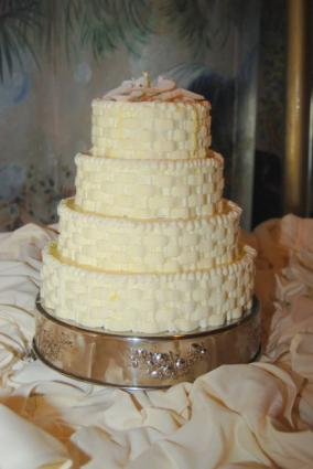 walmart wedding cakes often get a bad reputation because they come