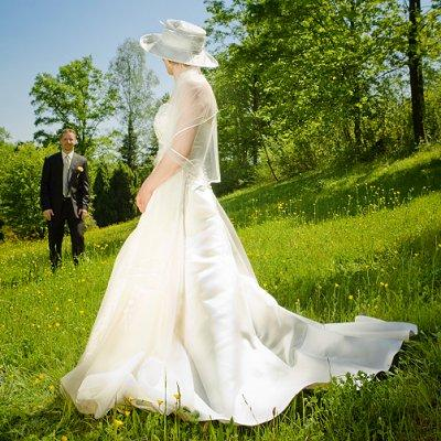 Spring Wedding Themes