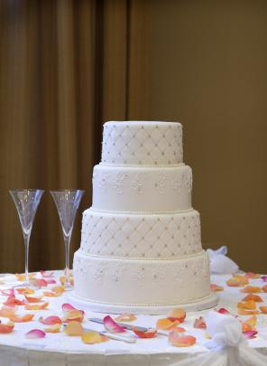 Cake Decorating Quilt Design : Quilted Wedding Cake Design Instructions