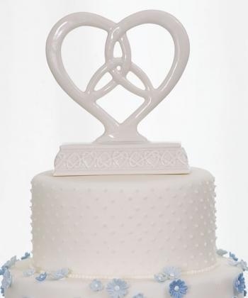 Heart Framed Trinity Knot Cake Top