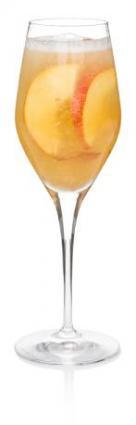 Как приготовить Коктейль с персиками.  Персик очистить и размять...