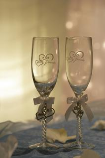 decorate champagne glasses.  Decorated Champagne Flutes