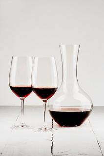 Decanting a wine allows the wine to breath