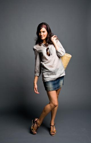 49604 320x500 mini skirt 1 Bí Quyết Mặc Váy Ngắn