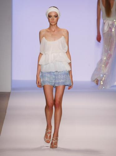 Classy Ruffled Tank Top Fashion Style with Short Skirt Style for Women