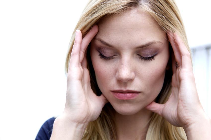 https://cf.ltkcdn.net/addiction/images/slide/122313-849x565-Caf-headache.jpg