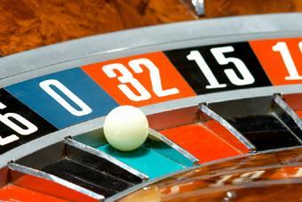 https://cf.ltkcdn.net/addiction/images/slide/113756-340x227-Online_gambling.jpg