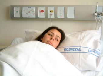 https://cf.ltkcdn.net/addiction/images/slide/122239-804x597-Hospitalized.jpg