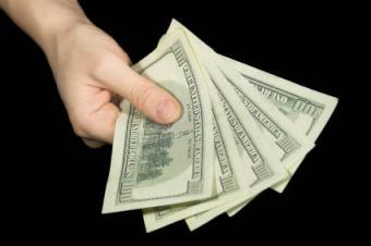 https://cf.ltkcdn.net/addiction/images/slide/122400-425x282-gambling_money.jpg