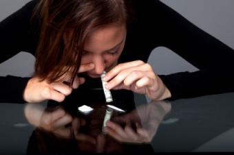 Person snorting clonazepam