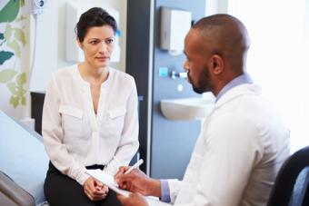 Doctor and patient consultation; © Monkey Business Images | Dreamstime.com