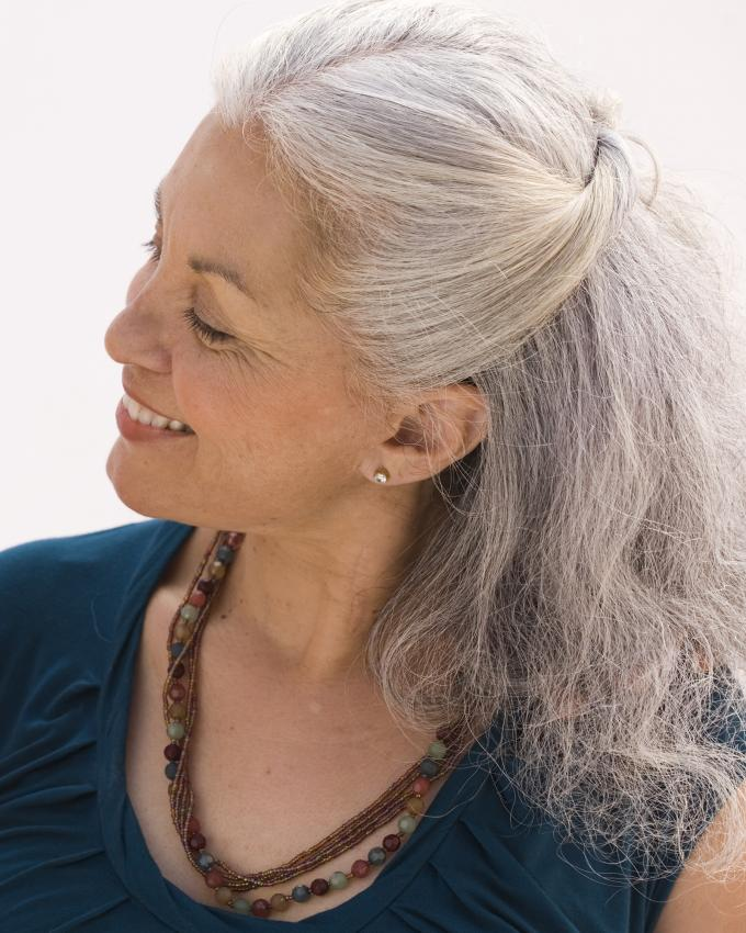 Peinados De Cabello Largo Para Mujeres Mayores Lovetoknow
