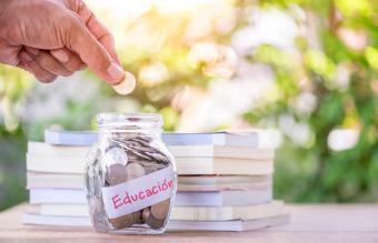 Ahorrando dinero para la educación