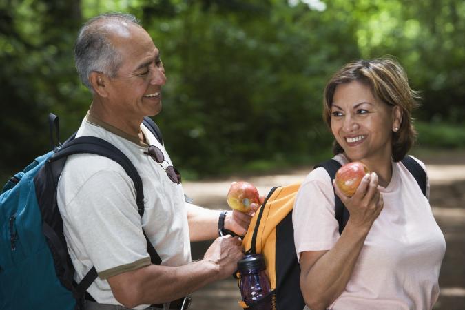 Adultos mayores al aire libre