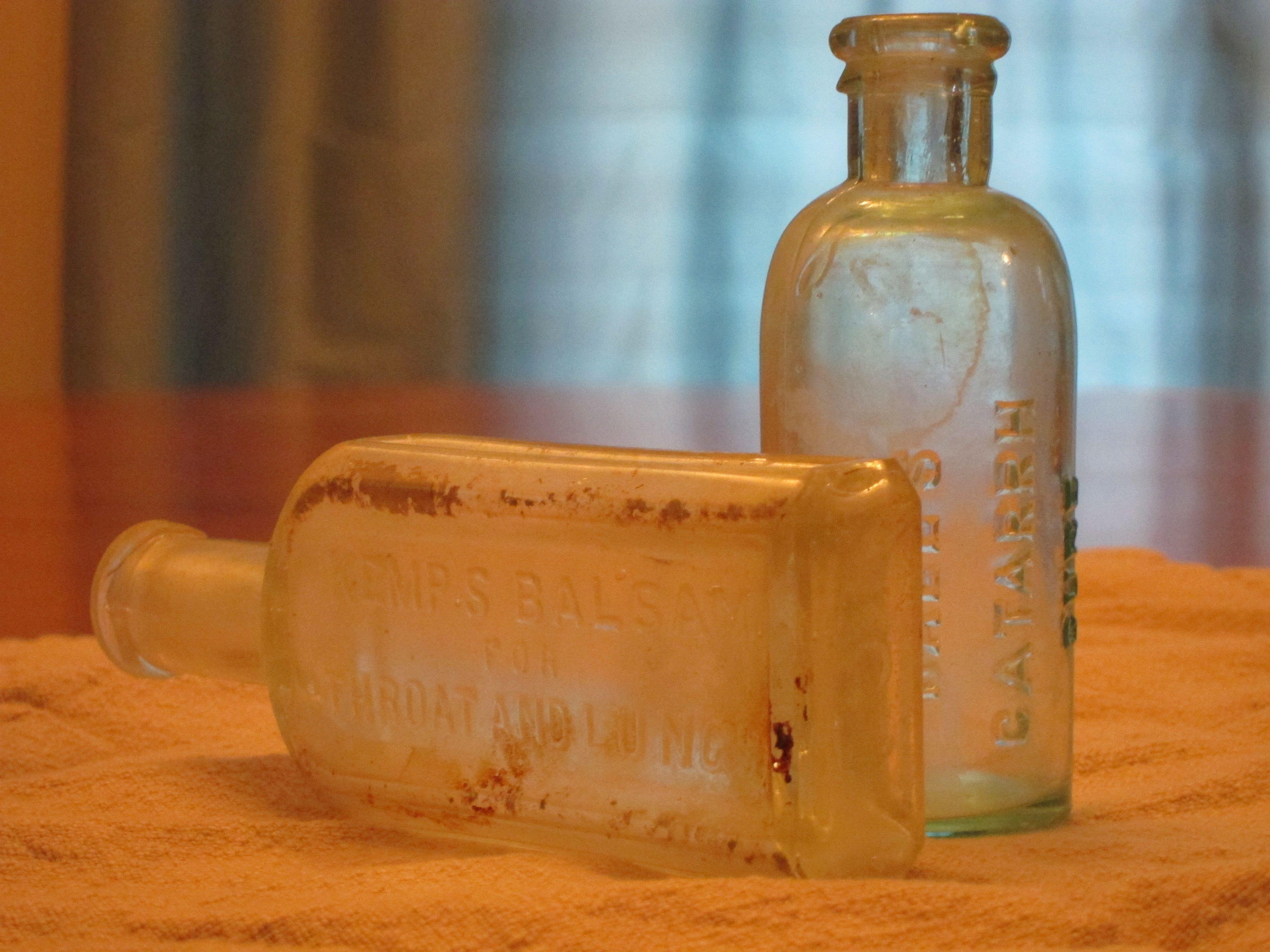 Antique bottle markings lovetoknow biocorpaavc Gallery