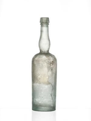 https://cf.ltkcdn.net/antiques/images/slide/104725-300x400-Unusual_bottle.jpg