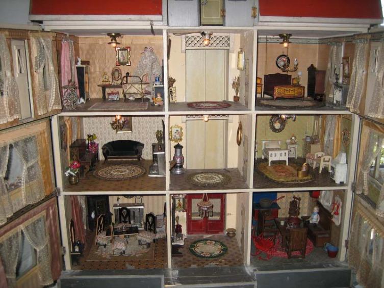 dolls house interior. Antique Doll Houses  LoveToKnow