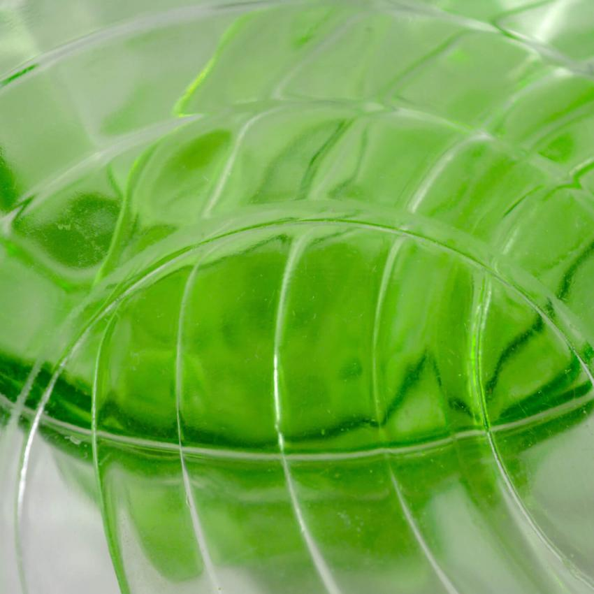 https://cf.ltkcdn.net/antiques/images/slide/247614-850x850-11-green-depression-glass.jpg