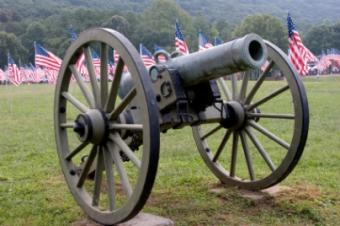 https://cf.ltkcdn.net/antiques/images/slide/104661-404x268-civil-war-cannon.jpg