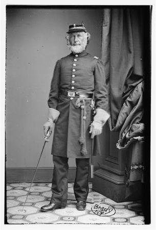 https://cf.ltkcdn.net/antiques/images/slide/104681-305x448-Chaplain-NY.jpg