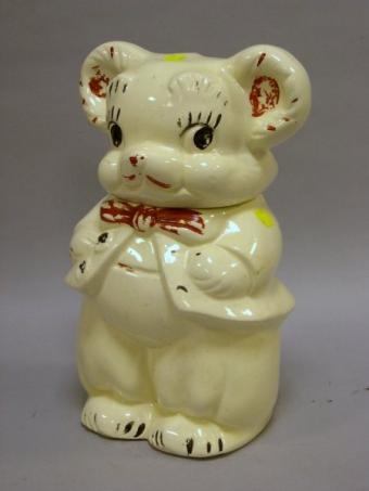 https://cf.ltkcdn.net/antiques/images/slide/104704-450x600-turnabout_bear.jpg