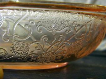 https://cf.ltkcdn.net/antiques/images/slide/104772-800x600-pink-depression-glass-bowl.jpg