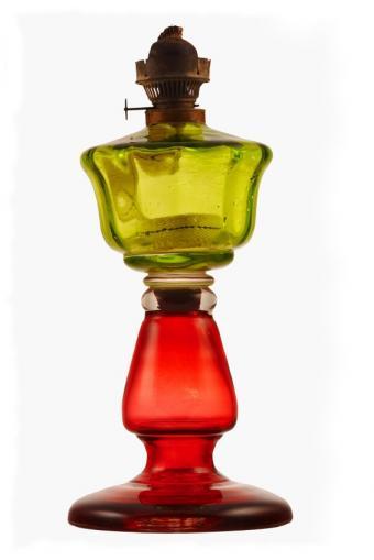 https://cf.ltkcdn.net/antiques/images/slide/104828-566x848-colored-glass-lamp.jpg