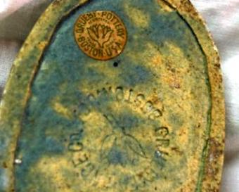 https://cf.ltkcdn.net/antiques/images/slide/139958-800x643r1-grueby-boston-800.jpg