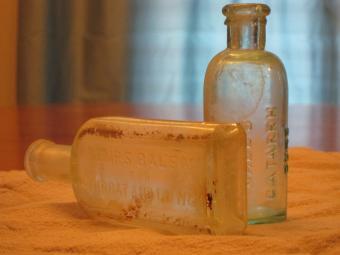 Antique Bottle Markings