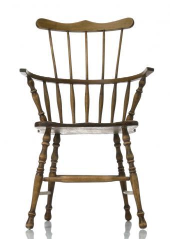 https://cf.ltkcdn.net/antiques/images/slide/150958-584x822r1-windsor-chair.jpg
