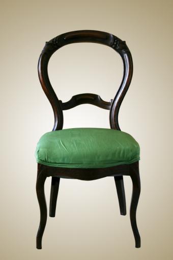 https://cf.ltkcdn.net/antiques/images/slide/150959-566x848r1-bustle-back-chair.jpg
