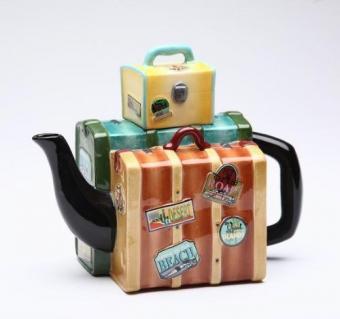 https://cf.ltkcdn.net/antiques/images/slide/174674-500x469-luggage-teapot.jpg