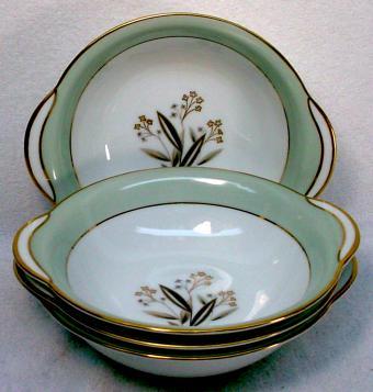 Noritake Carlisle Pattern Dessert Bowl Set