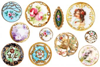 Old Antique Pretty Victorian Sewing Buttons Circa 1890