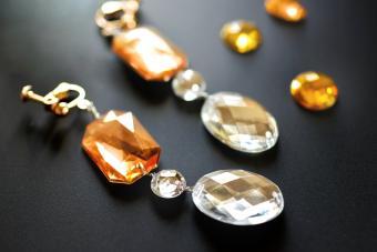 Popular Vintage Rhinestone Jewelry Types and Values